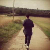 El corredor simplemente corre, si se encuentra alguien por ahí, bien, y si no, no hay problema. Foto:Vía instagram.com/explore/tags/running