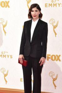 Carrie Brownstein, con el único buen tuxedo de la noche. Foto:vía Getty Images