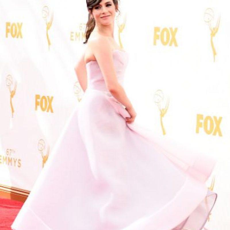 Yael Stone, otra que se fue al prom. Foto:vía Getty Images