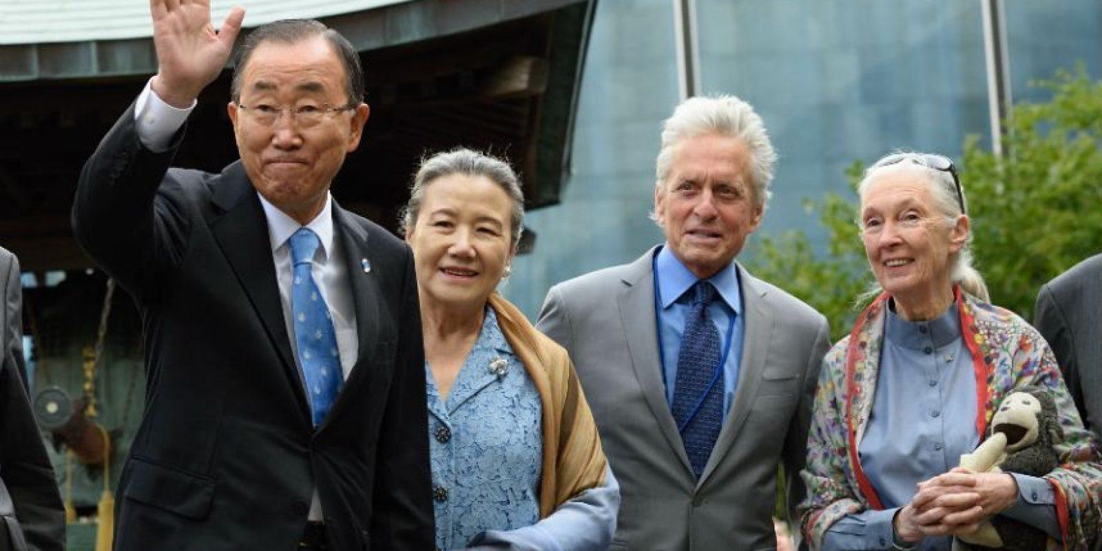 A la actividad también asistieron los mensajeros de la Paz de la Organización. Michael Douglas (centro) y Jane Goodall (derecha). Foto:AFP