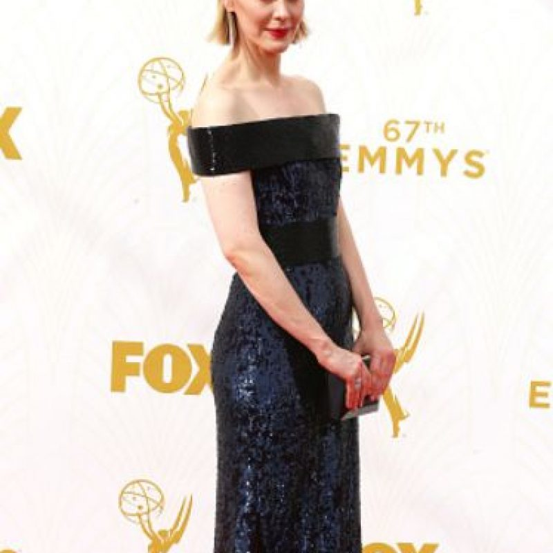 Sarah Paulson, aunque no iba de negro, tenía este color en su vestido. Foto:vía Getty Images