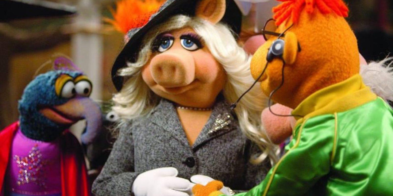 """la estrella de """"The Muppets"""" dejó en claro que su romance había terminado, aunque esto no afectaría su relación laboral. Foto:vía facebook.com/MuppetsMissPiggy"""