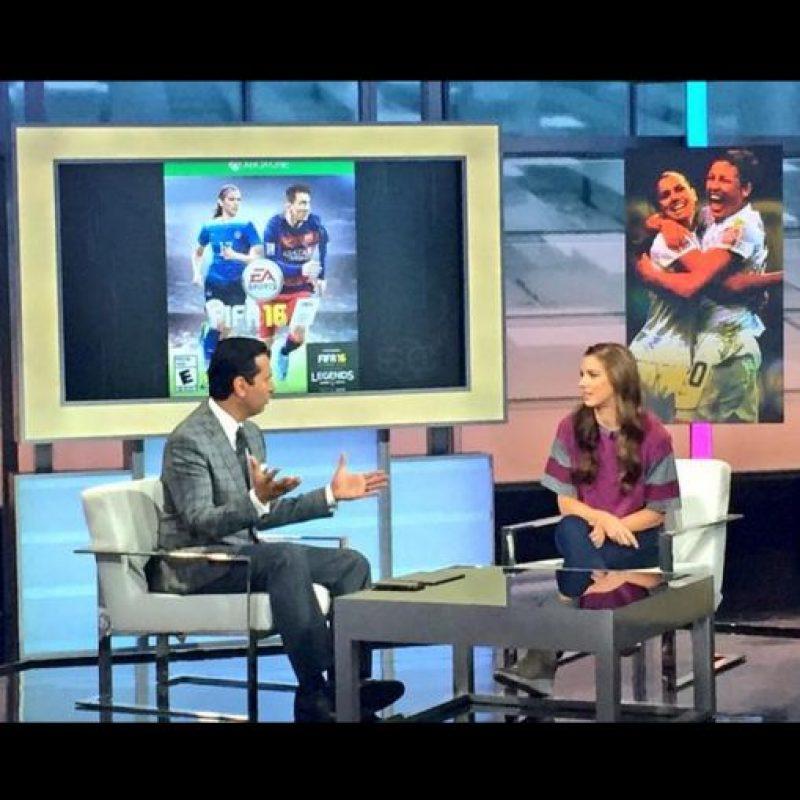 Alex presentó la edición estadounidense del juego. Foto:twitter.com/alexmorgan13
