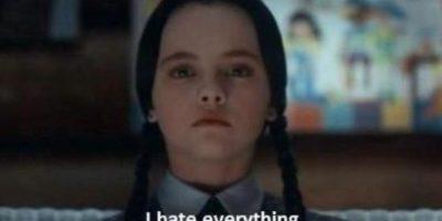 """""""Merlina Addams"""" se disfrazó como """"Morticia"""" y conquistó las redes sociales"""