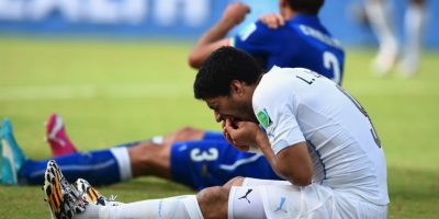 Tras este incidente, la FIFA decidió castigarlo con nueve partidos de suspensión (internacionales) y cuatro meses inhabilitado para poder realizar alguna actividad futbolística. Foto:Getty Images