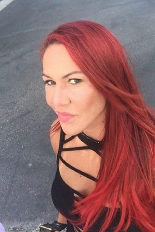 """""""Ella no está feliz con su vida. Es campeona de la UFC y en todas las fotos sale con cara de gruñona"""", dijo. Foto:Vía instagram.com/criscyborg"""
