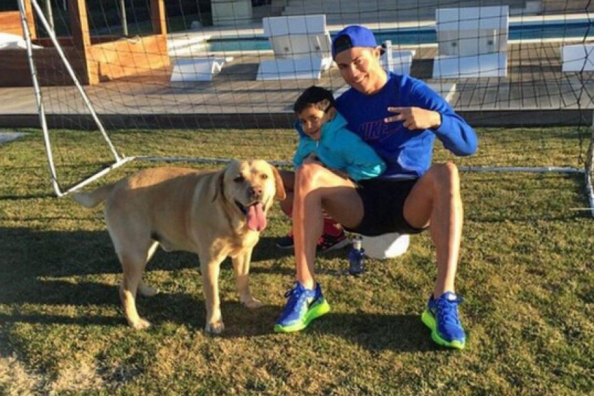 """En 2014, la hermana de Cristiano, Katia Aveiro, sorprendió con unas declaraciones en las que indicó que la madre de Cristiano Jr """"estaba muerta"""". Foto:Vía instagram.com/Cristiano"""