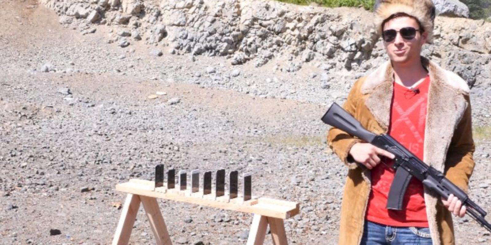 Los aparatos sobrevivientes fueron destruidos con una escopeta por este hombre Foto:YouTube/EverythingApplePro