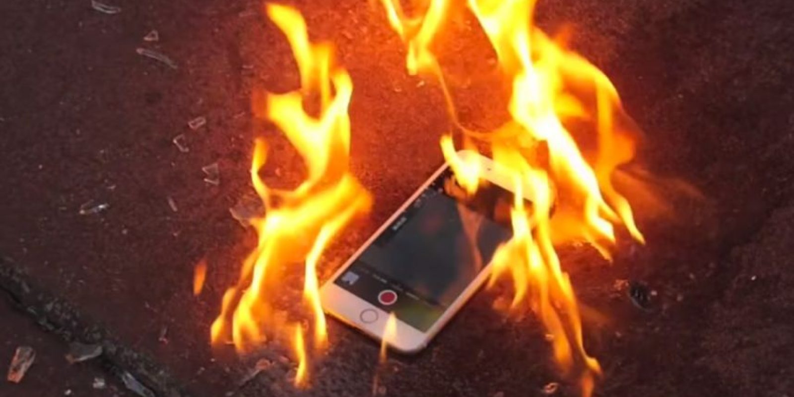 Incendiado Foto:YouTube/TechRax