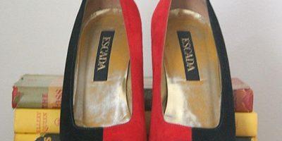 Tenía 148 pares de zapatos. Foto:vía Etsy