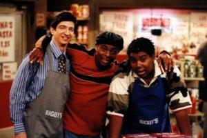 """Le dio vida a """"Chris Potter"""", el dueño de la tienda donde trabajaba """"Kenan"""" Foto:Nickelodeon"""