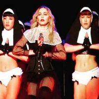 """La actuación fue mal recibida por el Vaticano. Incluso, el papa Juan Pablo II llegó a decir que con su gira """"Satanás había sido lanzado al mundo"""". Foto:Instagram/madonna"""