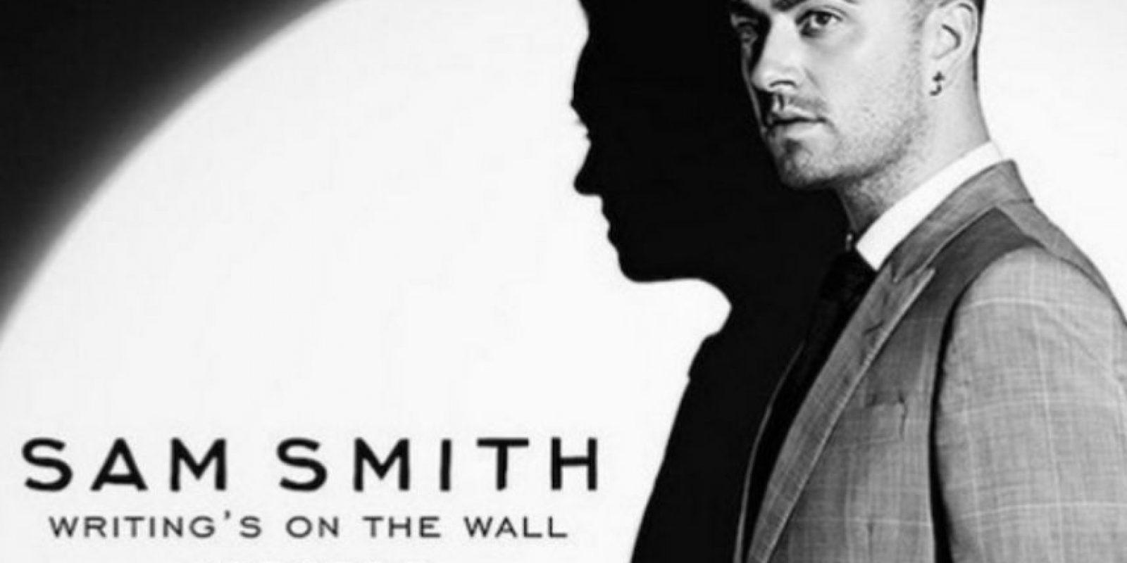"""Writing's on the wall"" ya está disponible en las plataformas musicales Foto:Twitter/007"