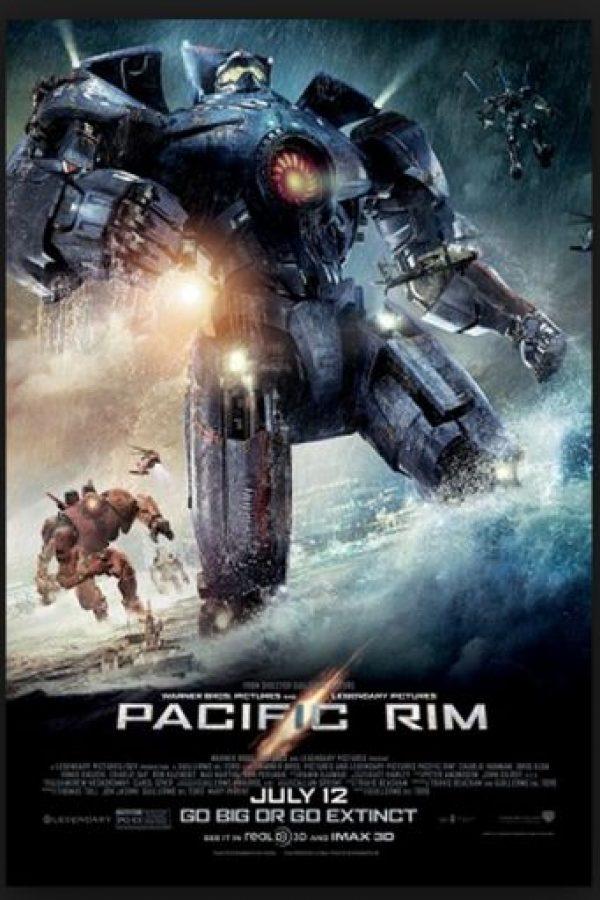 """Expertos aseguran que los robots gigantescos fueron ideados a partir de los que aparecen en juegos como """"Mechwarrior"""" y """"Rampage"""" Foto:Legendary Pictures/Warner Bros. Pictures"""