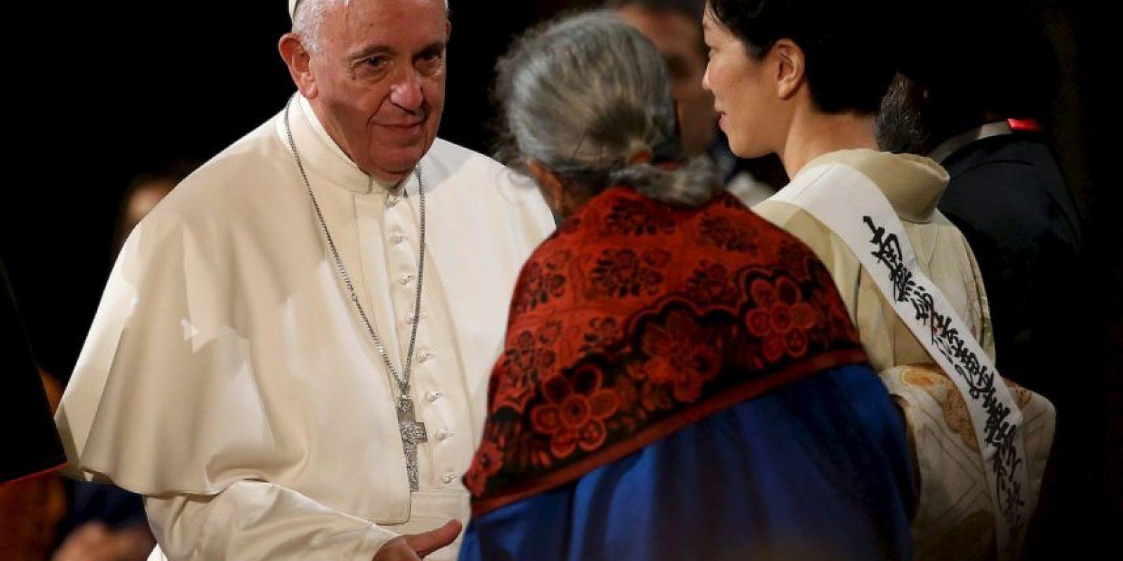Pidió por la unión de todas las religiones para generar paz. Foto:AFP