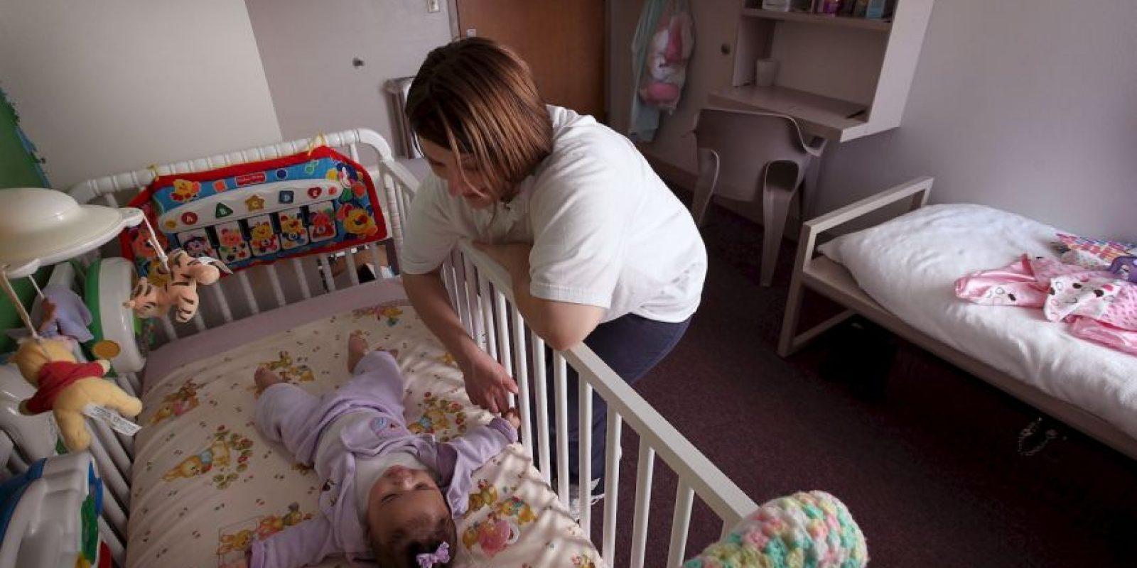 Amel se recupera ahora junto a su madre. Foto:Getty Images