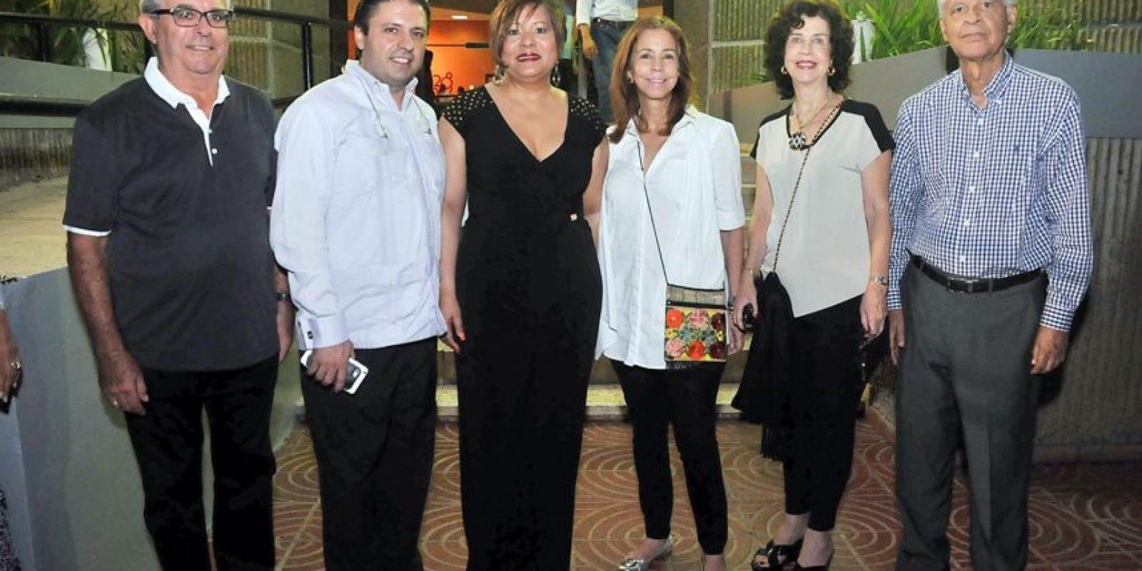 Emmanuel Valet, Jose Berlanza, Maria Ditrén, Angelita Lasaccio, Altagracia de Gómez y Wilson Gómez Foto:Alfredo García