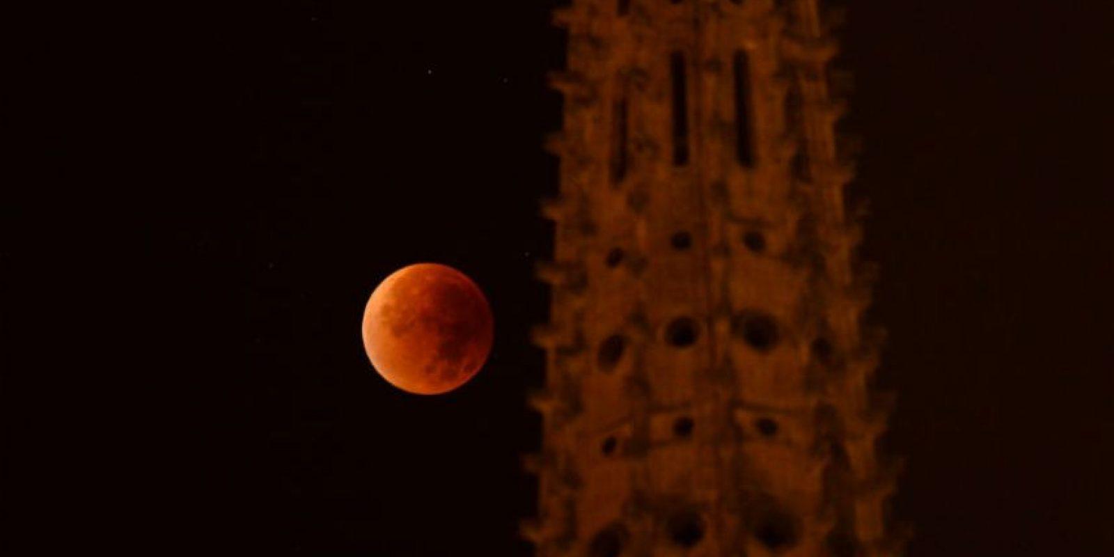 Cerca de las una catedral de Francia. Foto:AFP