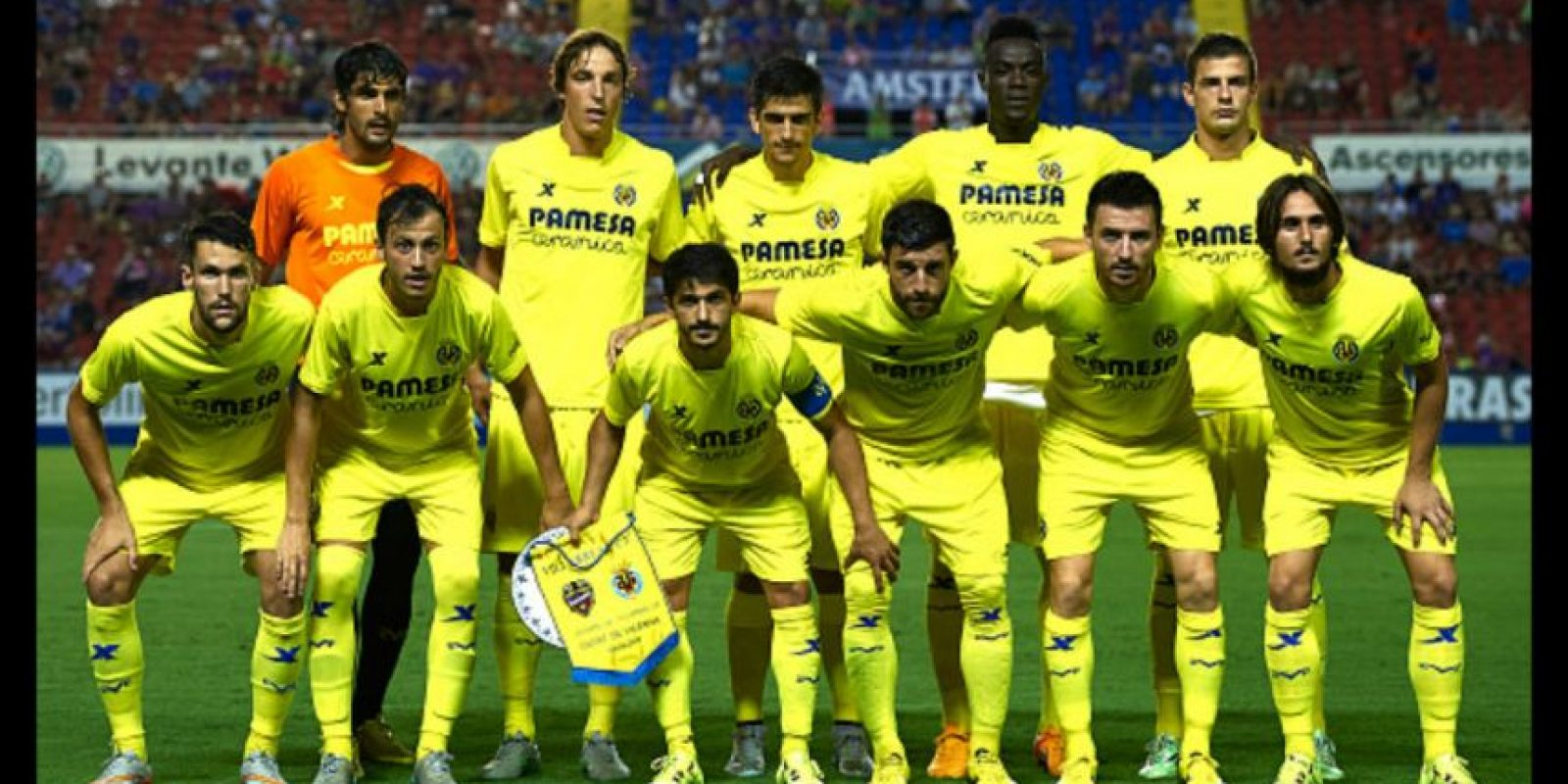 """El """"Submarino Amarillo"""" tiene 16 puntos, uno por encima del Barcelona y dos sobre el Real Madrid, los """"Gigantes"""" de la Liga. Foto:Getty Images"""