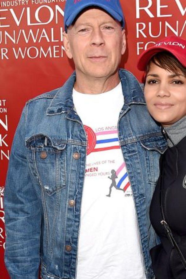 El actor Bruce Willis con… Foto:Getty Images
