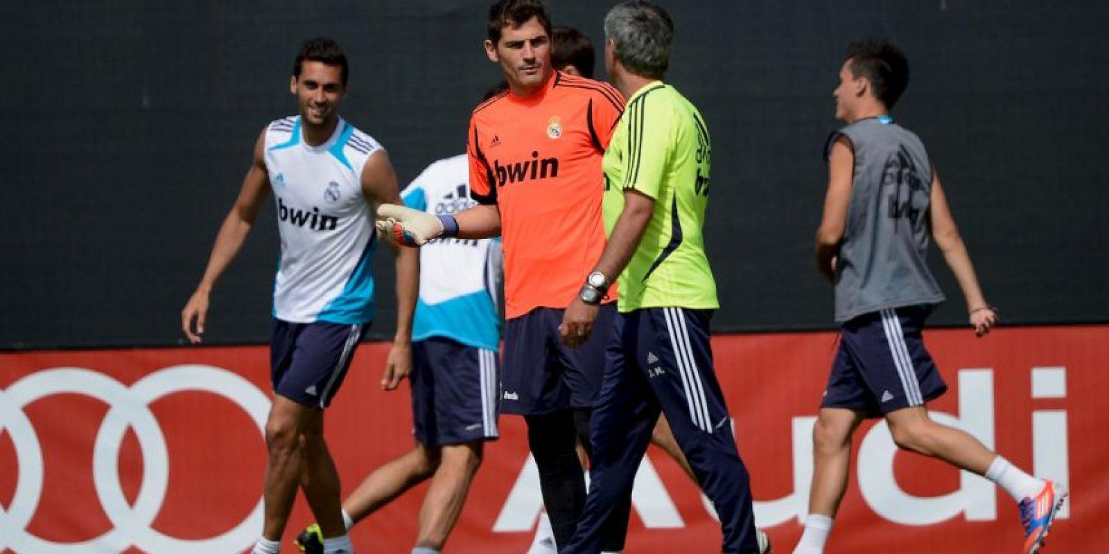 Cuando Mourinho se fue a Chelsea en 2013, con el vestidor muy dividido, llegó Carlo Ancelotti quien volvió a confiar en Casillas y le dio la titularidad. Foto:Getty Images