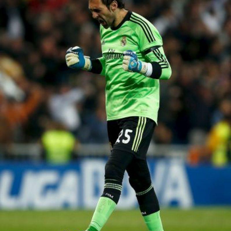 """Este conflicto se mantuvo durante dos años, en que el portugués le dio la titularidad a Diego López, aunque según este portero, """"Mou"""" no tenía nada contra Casillas y él nunca fue su """"niño mimado"""". Foto:Getty Images"""