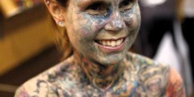 6. Julia Gnuse. Ella ocupó el Récord Mundial Guiness en 2011 como la mujer con más tatuajes en el mundo. Foto:Wikimedia