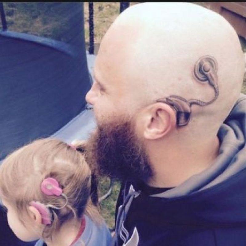 """Inicialmente la pequeña fue disgnosticada con sordera leve. Sin embargo, hace poco le dijeron que su sordera era profunda en el oído izquierdo y un poco menos fuerte en el derecho, según informes del sitio de noticias """"Rtlnieuws"""". Foto:Vía Facebook/acebook.com/anitaalistair.campbell"""