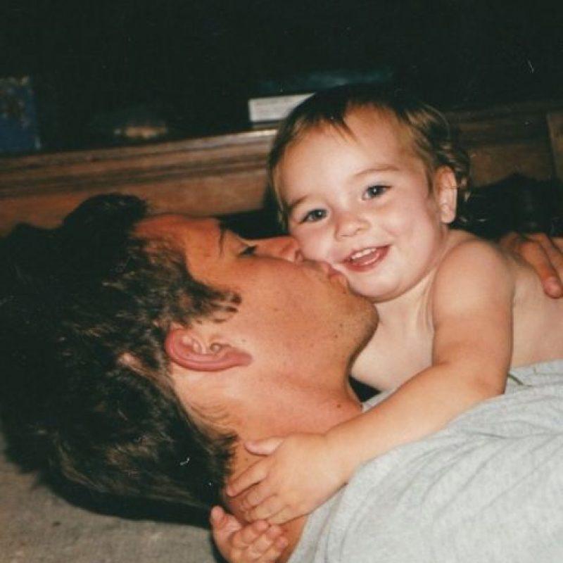 """""""Papá. Realmente te extraño. Pasan los días y despierto cada vez más deprimida, pensando en ti, recordando cuando dormías y cuando en las mañanas debía despertarte"""". Foto:vía instagram.com/meadowwalker"""