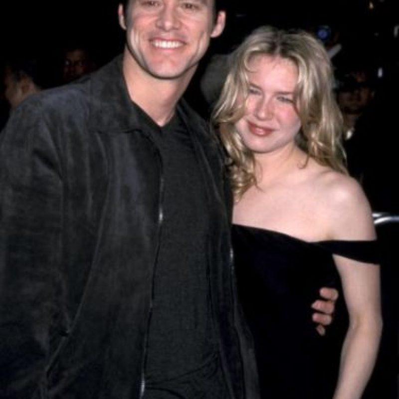 """Los actores se conocieron durante el rodaje de la película """"Me, Myself & Irene"""" (1999), estuvieron a punto de casarse, pero la actriz canceló todo compromiso con Jim. Foto:Getty Images"""