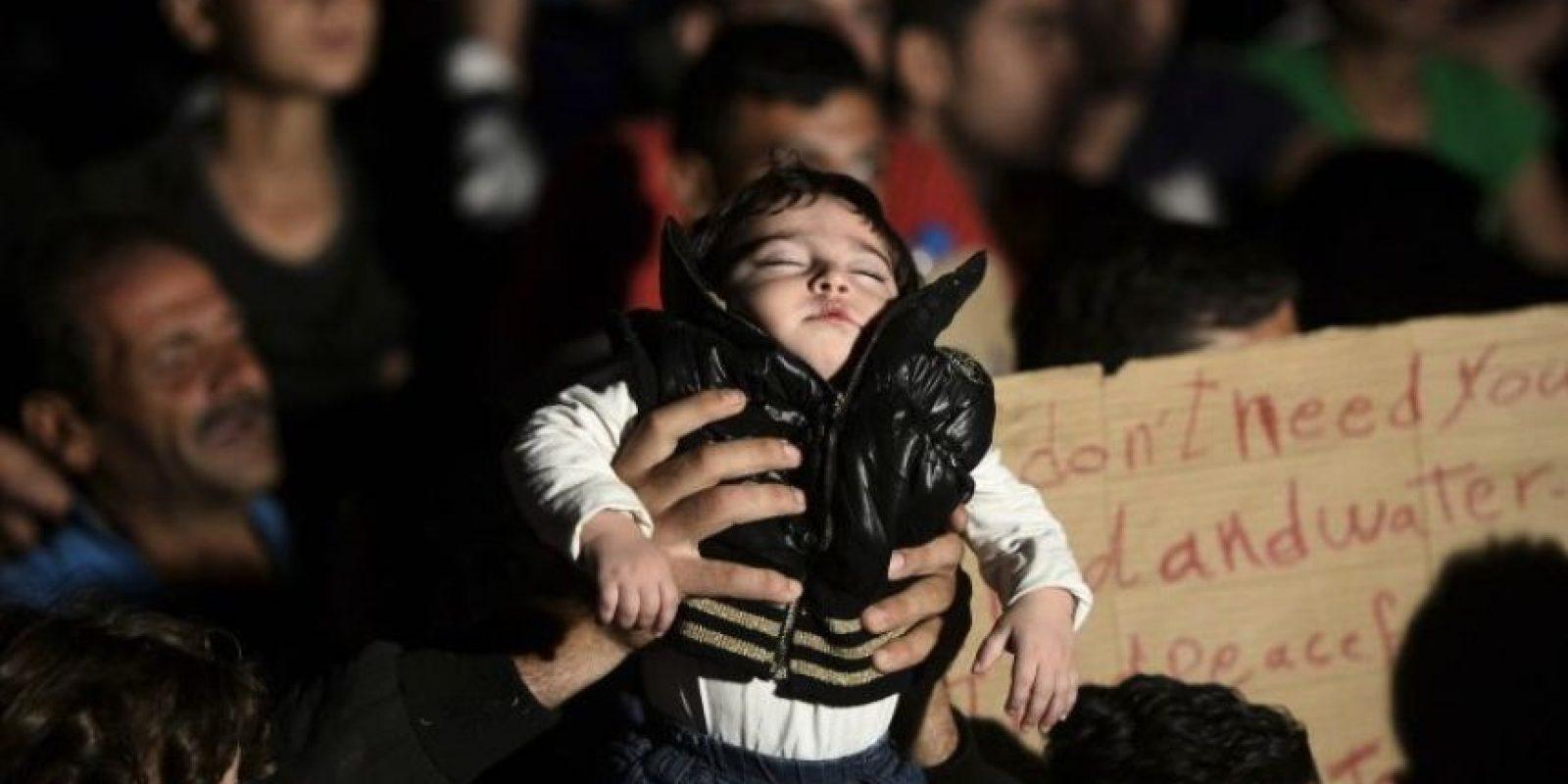 La madre de la pequeña fue trasladada al hospital de emergencia tras el ataque y le fue practicada una cesárea. Foto:Getty Images