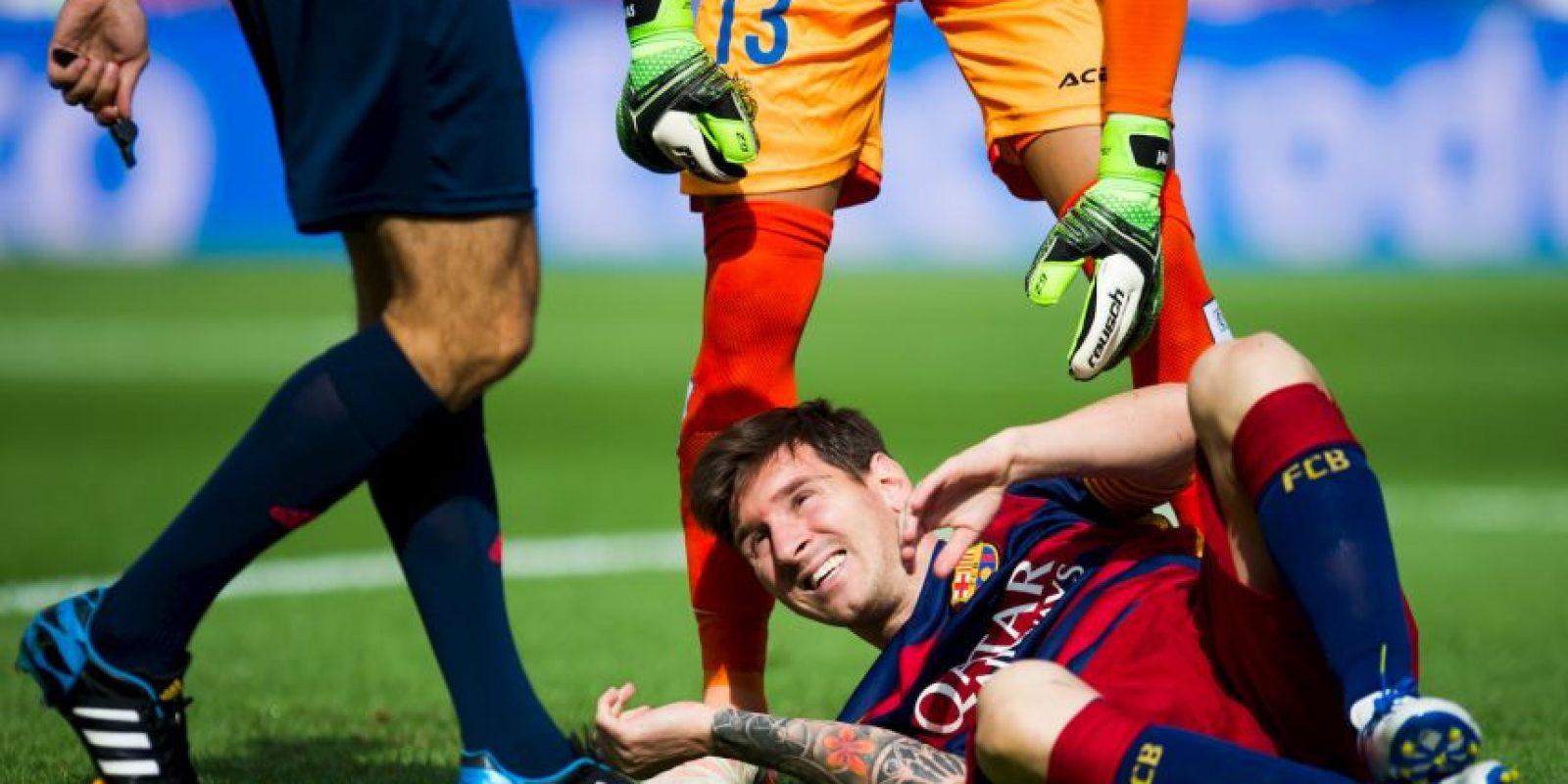 """La """"Pulga"""" se lesionó el fin de semana pasada y estará fuera de las canchas por dos meses Foto:Getty Images"""