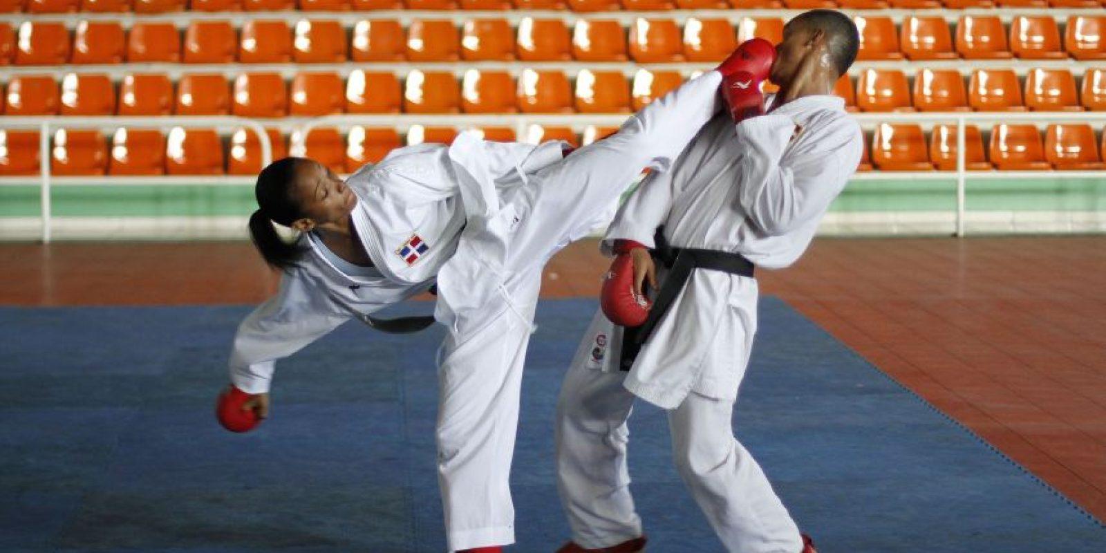 Entrenamiento: Ana Villanueva entrena con sus compañeros del equipo masculino para foguearse al más alto nivel. roberto guzmán Foto:Roberto Guzmán