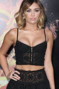 En el pasado, la cantante lucía los escotes más provocativos Foto:Getty Images