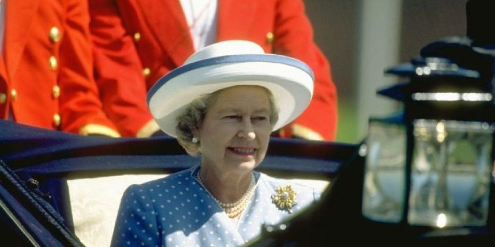 Mientras que la reina Isabell II tiene un valor estimado de 515 millones de dólares. Foto:Getty Images
