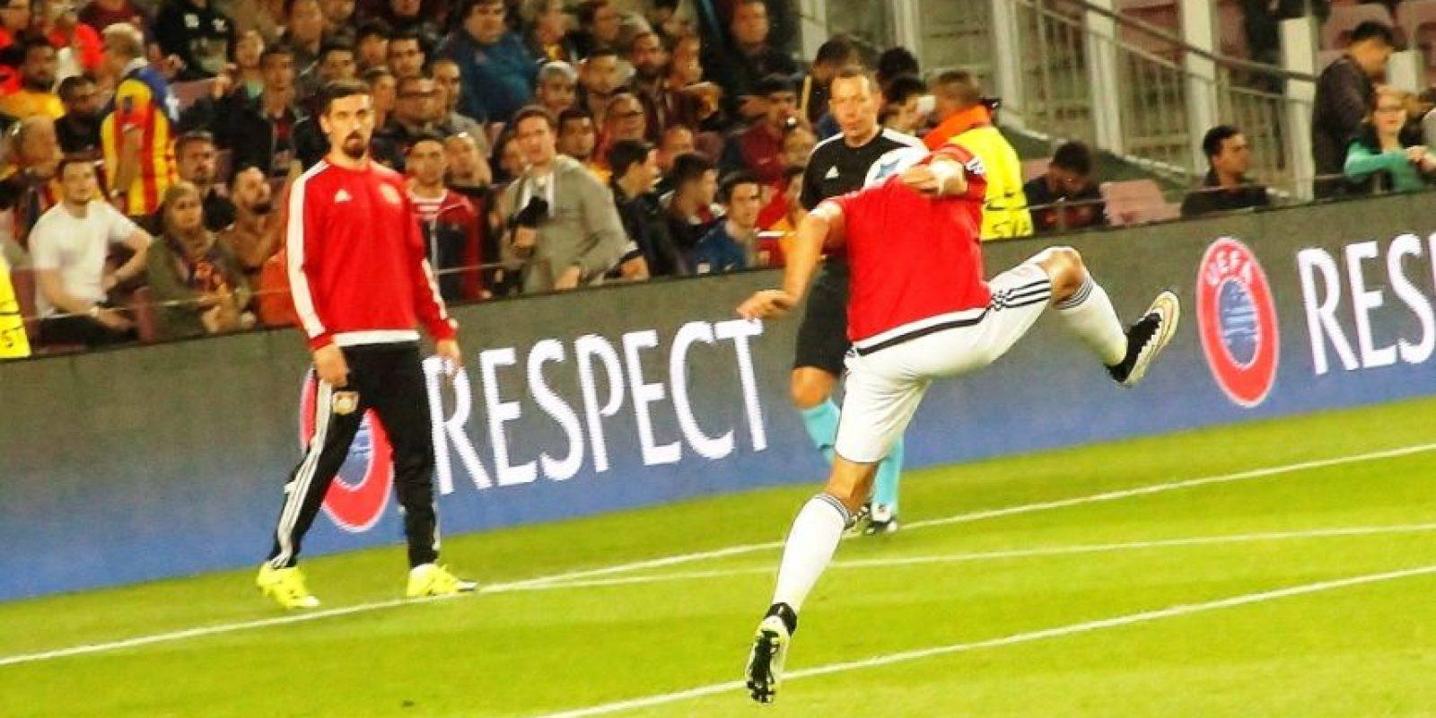 El mexicano jugó 54 minutos del duelo ante el Barça. Foto:Ramón Mompio