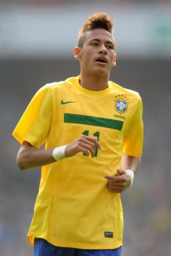 """2011 – Gracias a sus actuaciones en Santos y la Copa América 2011, """"Ney"""" comenzó a ser considerado una joya del fútbol mundial. Foto:Getty Images"""