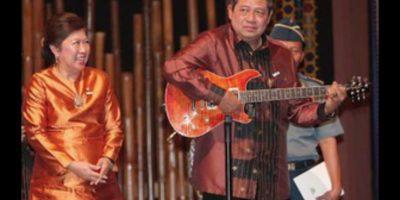 En su época de juventud fue integrante de una banda llamada Gaya Teruna. Foto:Wikimedia