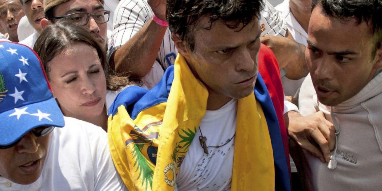 Esto debido a unos hecho violentos ocurridos en Caracas el 12 de febrero de 2014 y que ocasionaron la muerte de 3 personas y decenas de heridos. Foto:AP