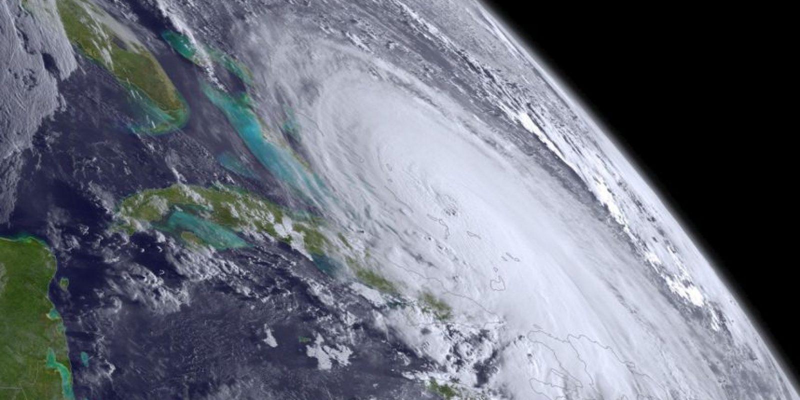 Los modelos recientes muestran el huracán más al Atlántico, por lo que se espera no toque tierra estadounidense. Foto:AFP
