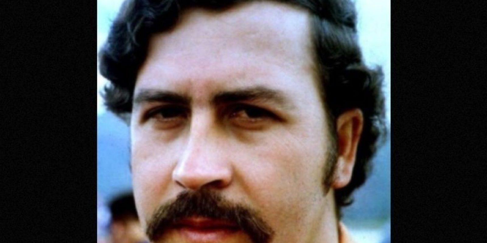 4. Su hijo, Sebastián Marroquín contó en una entrevista que su hermana tenía mucho frío y, como no había con qué más calentarla, Escobar decidió quemar un fajo de billetes para que le diera calor. Foto:Wikimedia