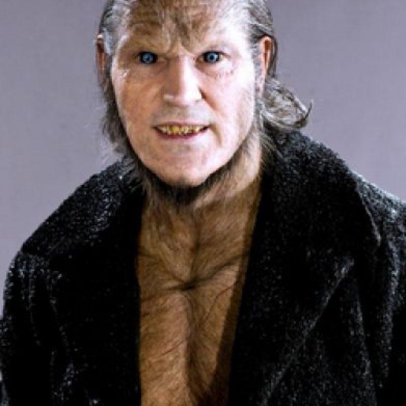 """""""Fenrir Greyback"""" es un licántropo que le gusta morder niños y entregarlos al ejercito de """"Voldemort"""". Foto:vía facebook.com/harrypottermovies"""
