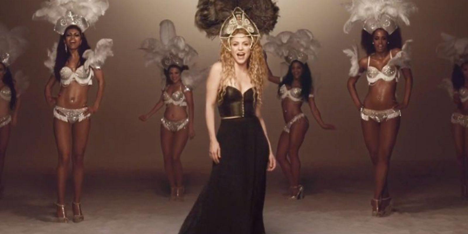 """Y luego mostró su (plagio) conceptual para """"La la la"""". Foto:vía Shakira/VEVO"""