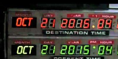 En lugar de un Delorean, la máquina del tiempo en la historia original era una nevera en el habitáculo de carga de una furgoneta tipo Pick-Up Foto:Universal Studios