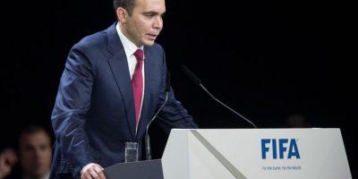 Fue el candidato que peleó con Blatter en las pasadas elecciones y aunque fue derrotado, logró llevar el proceso a la segunda ronda. Foto:Getty Images
