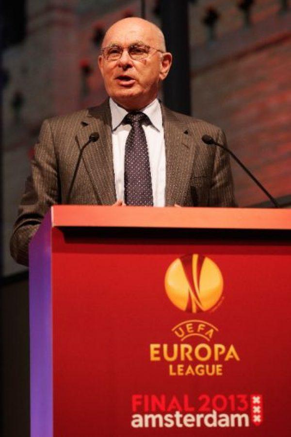 Fue presidente del Ajax durante 15 años y desde 2008 dirige la KNVB (Federación de Fútbol de Holanda). Participó en el proceso rumbo a las elecciones de 2015, pero renunció a unos meses de que estas se realizaran. Foto:Getty Images