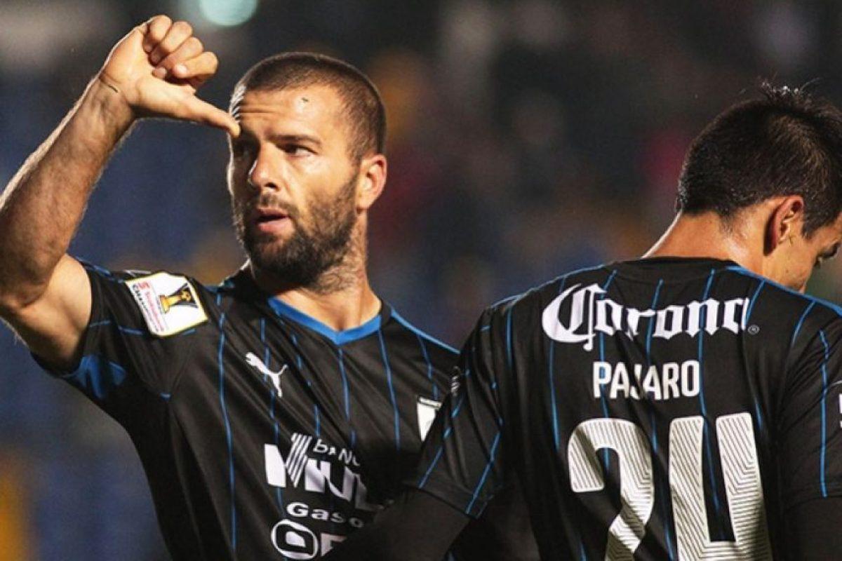 El pasado 17 de septiembre, Emanuel Villa anotó cinco de los ocho goles que el Querétaro de México le metió al Verdes FC de Belice, en actividad de la Concachampions Foto:Getty Images