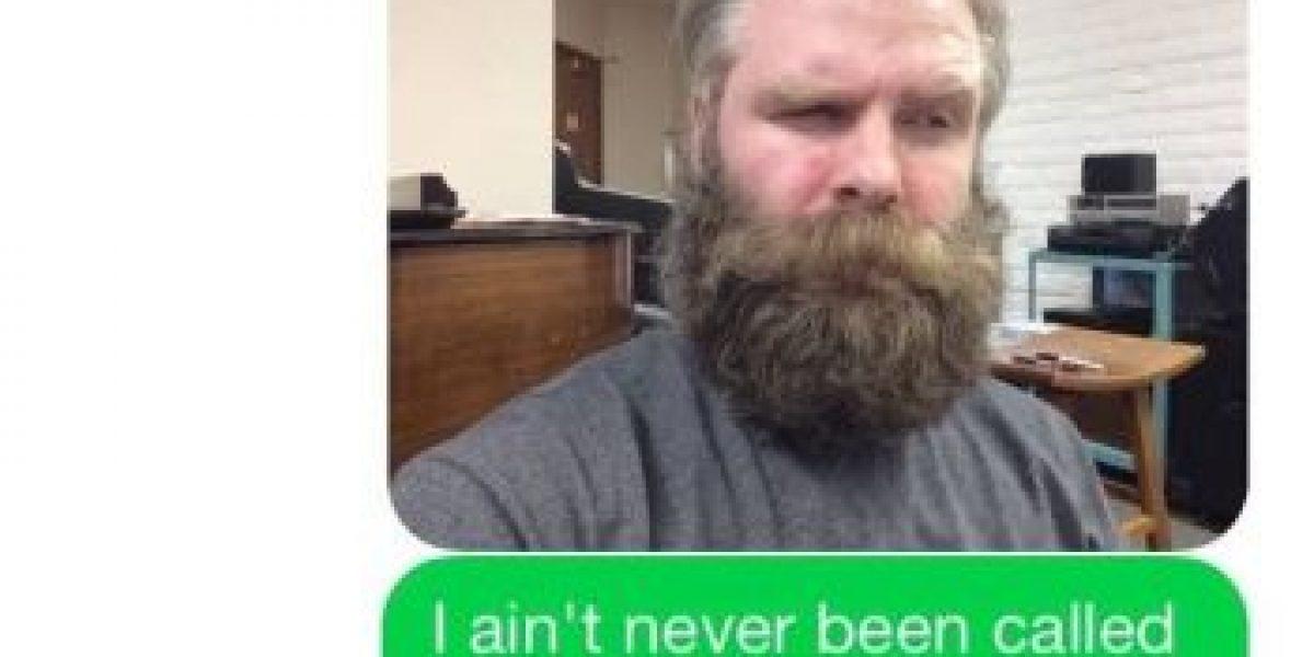 Desconocido le envió mensajes por error durante seis meses y él lo