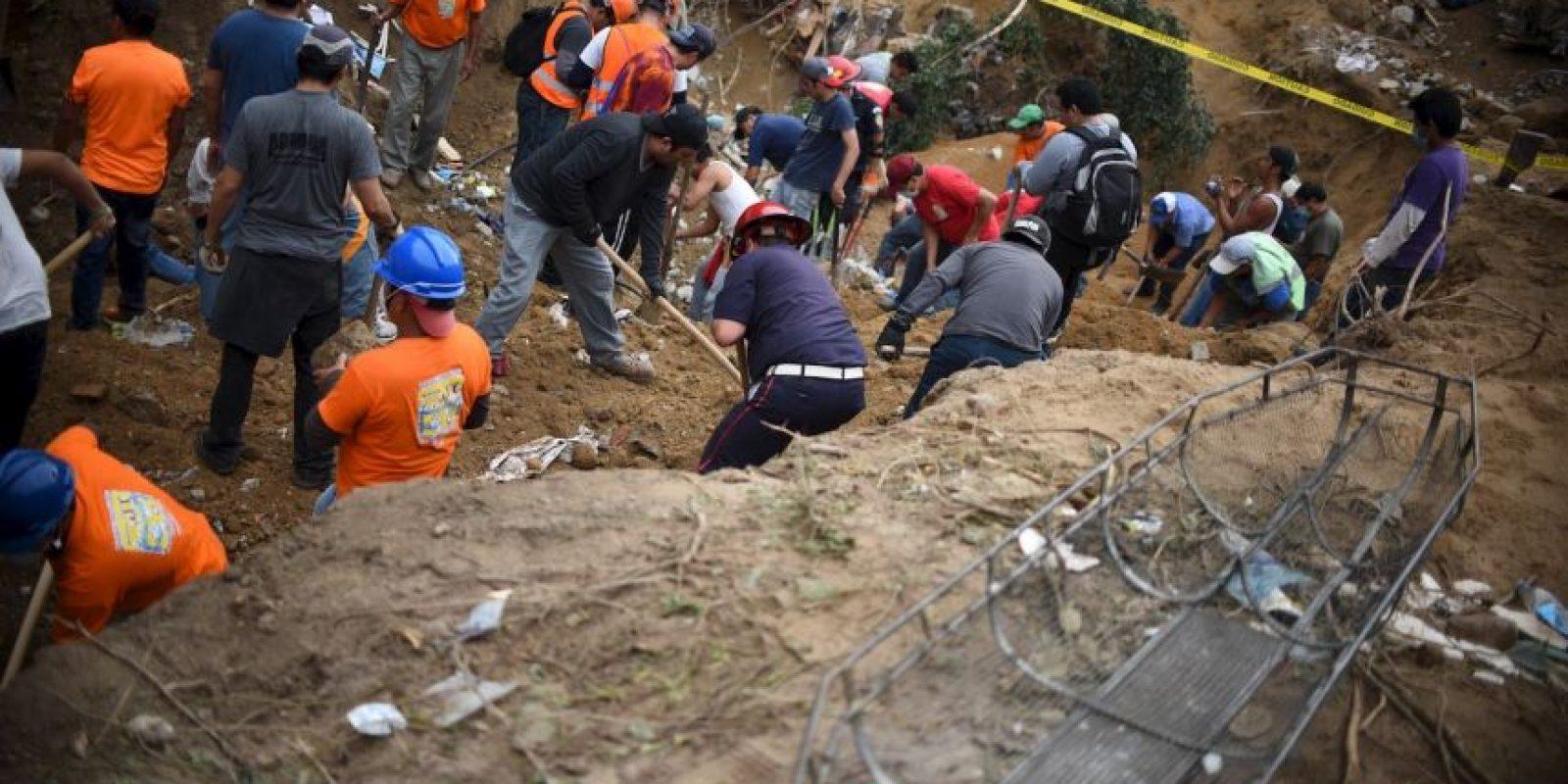 También se informó que 180 personas permanecen en los albergues. Foto:AFP