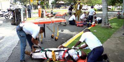 El 911 brinda asistencia a niña atropellada por su madre